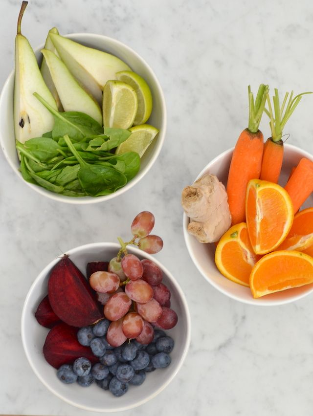 gezonde sapjes  -peer limoen munt,  wortel gember sinaasappel,  blue berry rode druif rode biet citroen