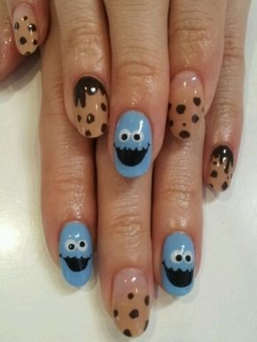 Cute! Cookie monster nail art