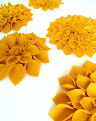 great tutorial for felted flowers - these would be great on a pillow...or wreath