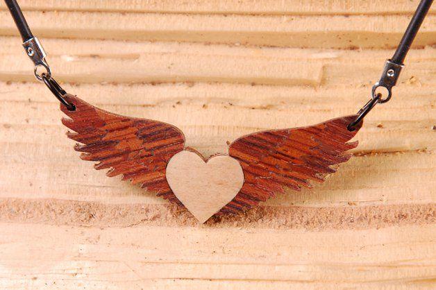 Trachtenschmuck - Herz mit Flügel Handarbeit der Liebe wegen - ein Designerstück von intarsia108 bei DaWanda