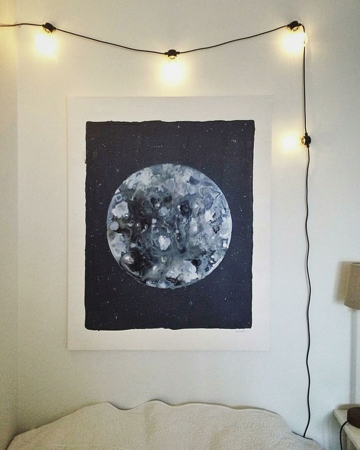 Acrylic painting with moon made of sugarpaint on canvas. #art #painting #acrylicpaint #tavla