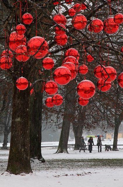 I LOVE giant red balls! | Christmas | Pinterest | Outdoor ...