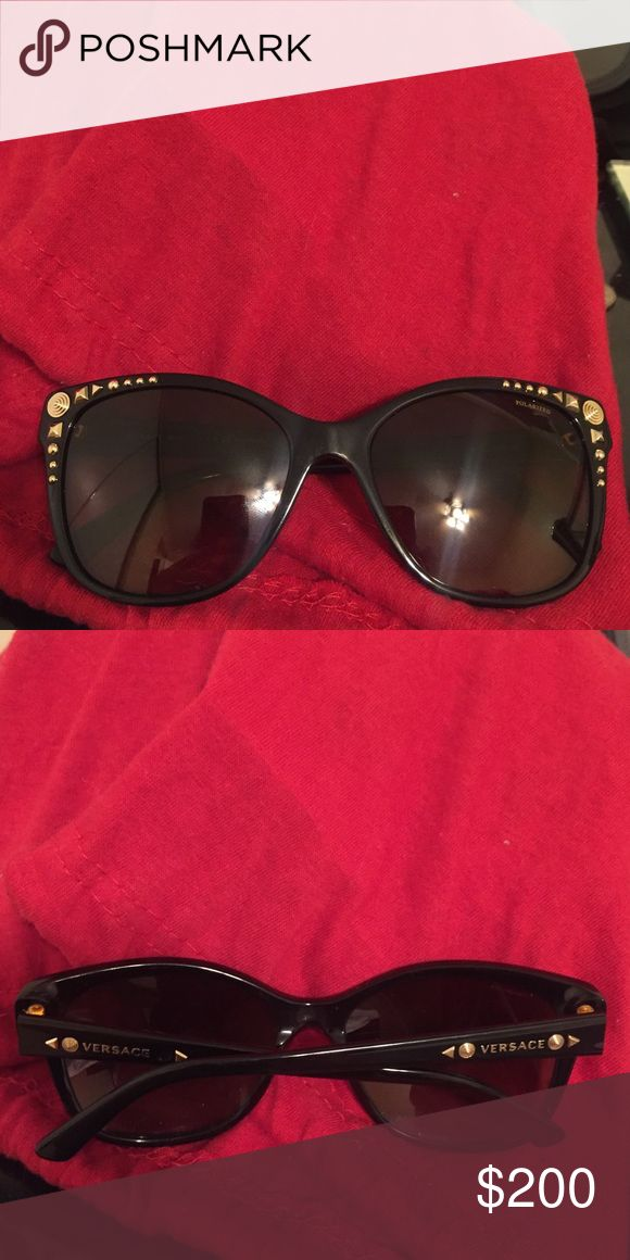 Versace sunglasses (polarized) Classy/elegant Versace sunglass- polarized - see model number for authentication - brand new! (Brown/gold) Versace Accessories Sunglasses