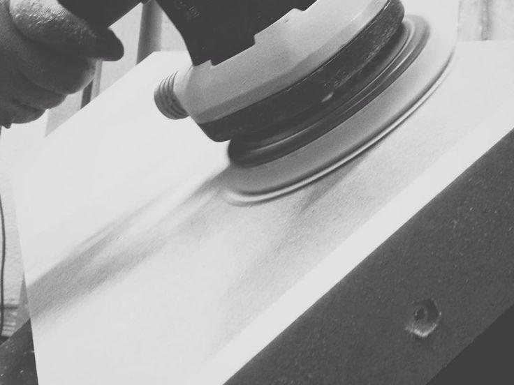En Arcas Baiz ofrecemos diseño y producción de PLV, lo que nos ofrece muchas ventajas ya que el control de los procesos de manipulado nos otorga una mayor flexibilidad y optimización de las fases del proyecto. En Arcas Baiz trabajamos con numerosos materiales y para todo tipo de sectores. #plv #pop #pos #diseño #design #materiales #materials #dm #madera #mdf #produccion #production #manipulado #procesoproductivo #procesoproduccion
