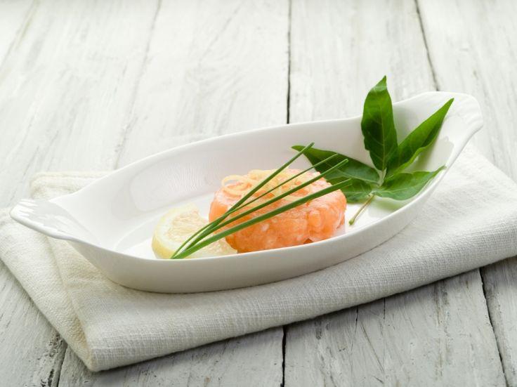 Свежайший лосось в сочетании с нежным сливочным сыром... <br /> Что может быть изысканней?!