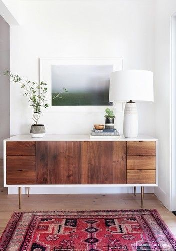 Mid-Century Modern Living Rooms: 15 Wood and Brass Modern Sideboards | Vintage Industrial Style #interiordesign #sideboards #livingroomdesign See more at: http://vintageindustrialstyle.com/mid-century-modern-living-rooms-wood-brass-modern-sideboards/