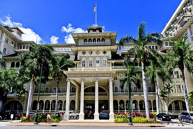 oahu hotels moana surfriderhhotel information