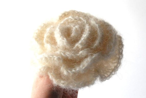 crochet cream flower brooch made by #aboutCRAFTS #flowerbrooch #crochetflower #crochetbrooch #creambrooch #wedding