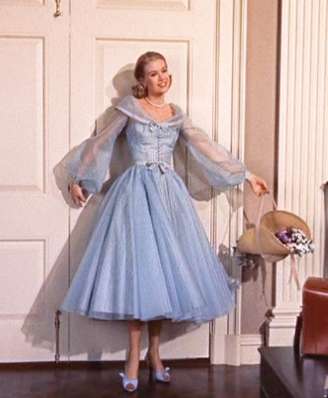 I've always loved the dress Grace Kelly wears when meeting Mike & Liz in High Society!