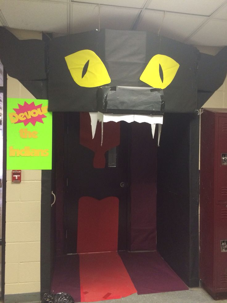 homecoming door decorating contest