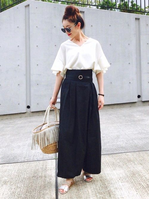 IENAのシャツ・ブラウス「ミリオーネ フレアスリーブ ブラウス◆」を使ったCreamのコーディネートです。WEARはモデル・俳優・ショップスタッフなどの着こなしをチェックできるファッションコーディネートサイトです。