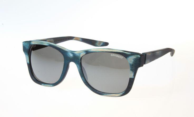 TIMOTEJ http://shop.different-eye.com/timotej-sun/timotej-jeans-used-look/dp