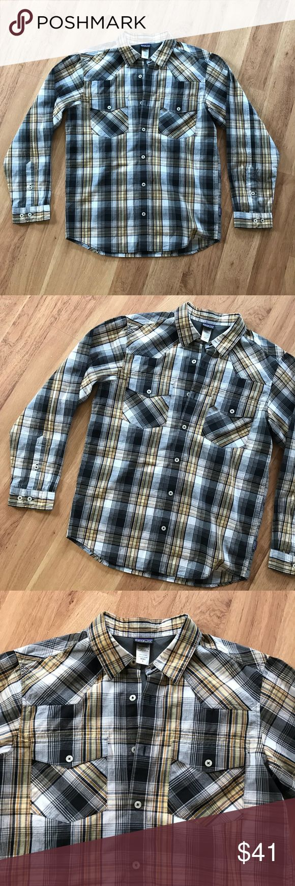 Men's Plaid Patagonia Organic Cotton Top Size S ⚜️I love receiving offers through the offer button!⚜️ Good condition, as seen in pictures! Fast same or next day shipping!📨 Open to offers but I don't negotiate in the comments so please use the offer button😊 Check out the rest of my closet for more Adidas, Lululemon, Tory Burch, Urban Outfitters, Free People, Anthropologie, Victoria's Secret, Sam Edelman, Topshop, Asos, Revolve, Brandy Melville, Zara, and American Apparel! Patagonia Shirts