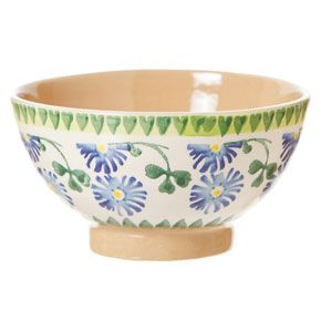 Hand crafted, with the greatest care for detail, this charming Irish pottery has been inspired by the charm of Irish country living. The pat...