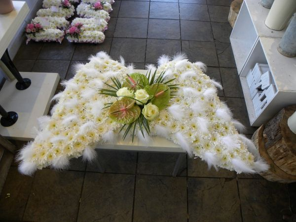 ANGEL WING FLORAL ARRANGMENTS | Angel Wings