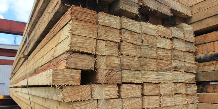 Illingworth Ingham Ltd is hardwood timber importers and specialists. At our Trafford Park site in Manchester we supply sawn hardwoods in a range of species. #hardwood #softwood #timber #profiles #sawn #merchants #construction #supplier #Trafford #Park #Mouldings #Manchester #TuesdayThoughts #importers #specialists #iitimber #Illingworth #Ingham
