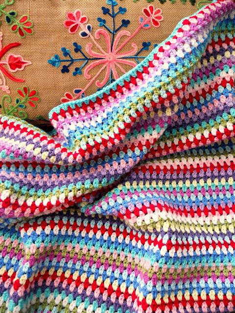 Standard granny stripe but with clusters of 2 instead of 3