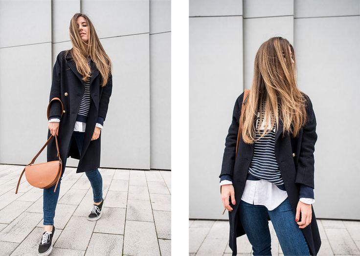 Coat: Zara | Jeans: GAP | Sweater: GAP | Shirt: H&M | Sneakers: Vans | Bag: ÁERON | Scarf: Acne Studios.