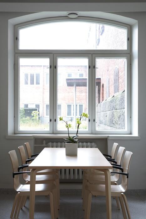Menu chair  Design Stefan Lindfors    Martela Oyj, Takkatie 1, FI-00371 Helsinki, Finland.  Tel. +358 (0)10 345 50