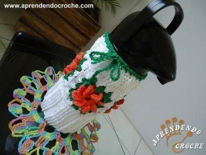 aprenda como fazer uma capa para garrafa termica de croche