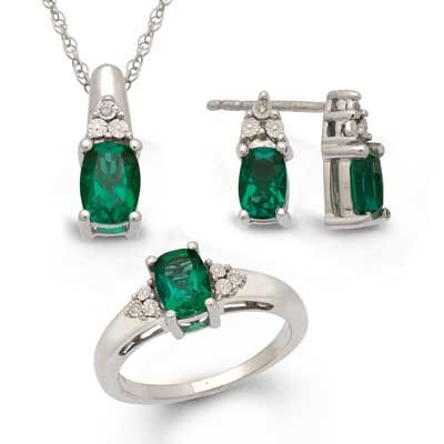 Zales Cushion-Cut Lab-Created Emerald Vintage-Style Pendant and Earrings Set in Sterling Silver LCgVO1w8