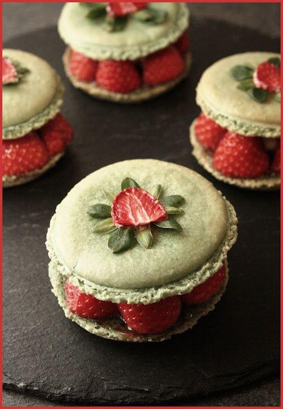 Macarons fraise pistaches