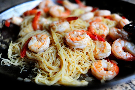 Game of prawns: Ρίξαμε κάτι γαρίδες στο τηγάνι - OneMan Food - ΔΙΑΣΚΕΔΑΣΗ | oneman.gr