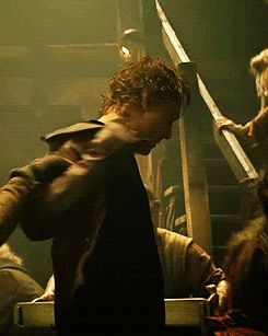 Tom looks good when someone grabs his attention (gif)...a maiden in distress