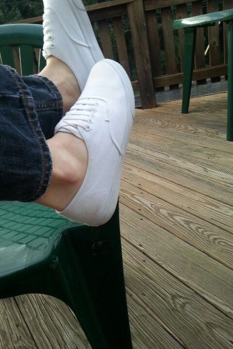 how to clean vans shoes without fading