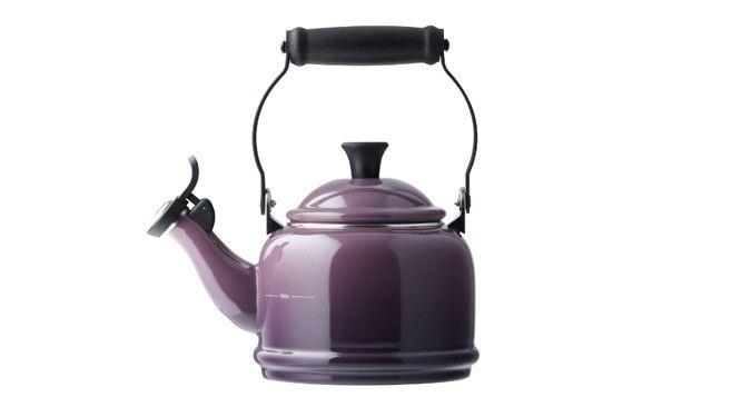 Faire bouillir de l'eau pour l'heure du thé est un véritable jeu d'enfant grâce aux bouilloires électriques. Mais encore faut-il qu'elles soient dé...