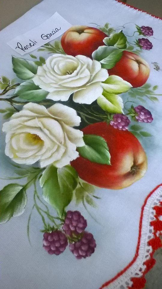 A imagem pode conter: flor e comida