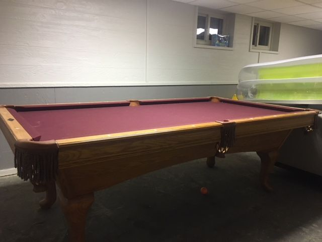 Brunswick Billiards 8' Bradford with New Cushions Any color New Cloth!