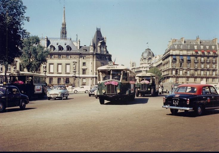 place Saint-Michel vers 1963 - Paris 5e/6e