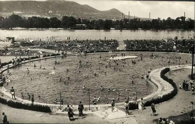 1957. Szabadság strand, szóval a Dagály.