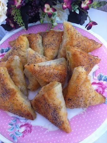 Yumuşacık Bir Börek Labne Peynirli Ispanaklı Börek