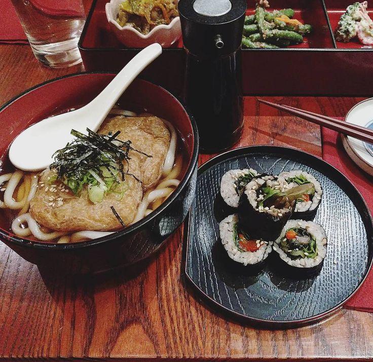 Einrichtungsideen im japanischen stil zen ambiente  Die besten 25+ Zen japanese restaurant Ideen auf Pinterest ...