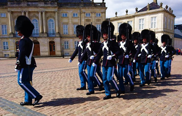 'Giving Copenhagen the High 5' How to spend 5 Days in Copenhagen... #blog #travel #copenhagen #denmark #wanderlust #guards #city #break #week #holiday #backpacking