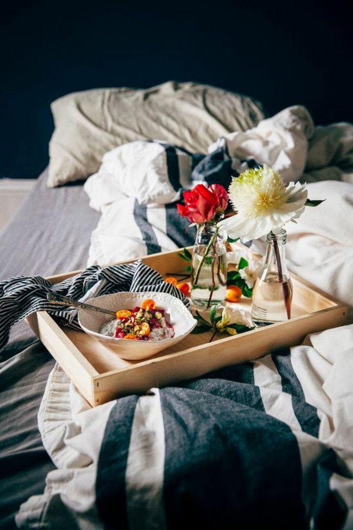 28 best petit dej lit images on pinterest good morning sunday morning and breakfast in bed. Black Bedroom Furniture Sets. Home Design Ideas