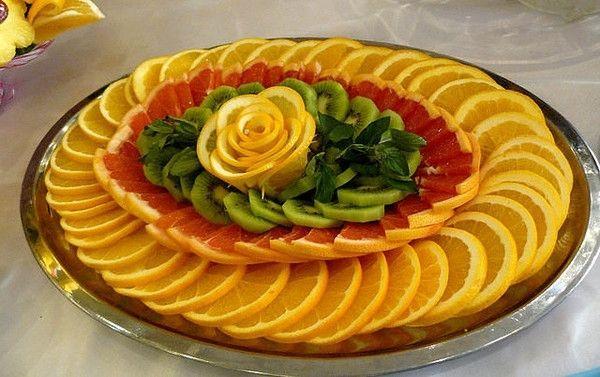 Украшение салатов овощями и фруктами