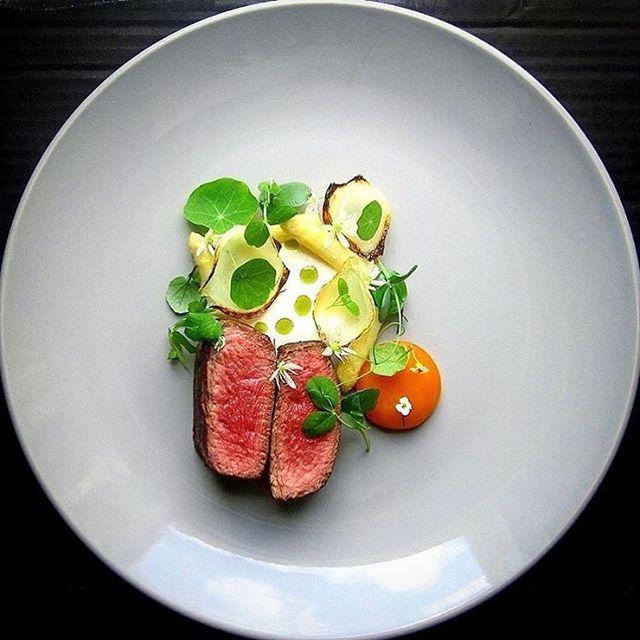 Beef, asparagus, egg yolk, onion, wild garlic. ✅ By - @chef_grzesiek_m ✅ #ChefsOfInstagram