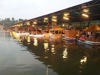 Mencari penginapan murah dekat floating market ?????   Villa istana bunga rekomendasi penginapan murah di lembang bandung ....... n_n