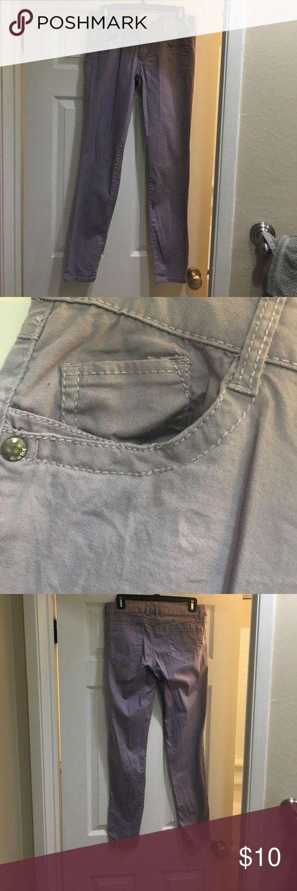 Jolt (juniors) purple skinny jeans (size 7). Light purple skinny jolt jeans. With small pocket detail. Jolt Jeans Skinny