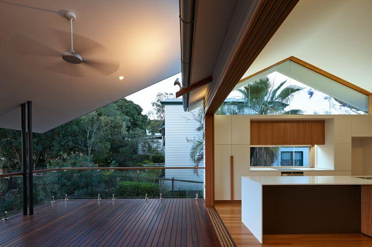 Verandah House, Brisbane, Australia by Shaun Lockyer Architects.