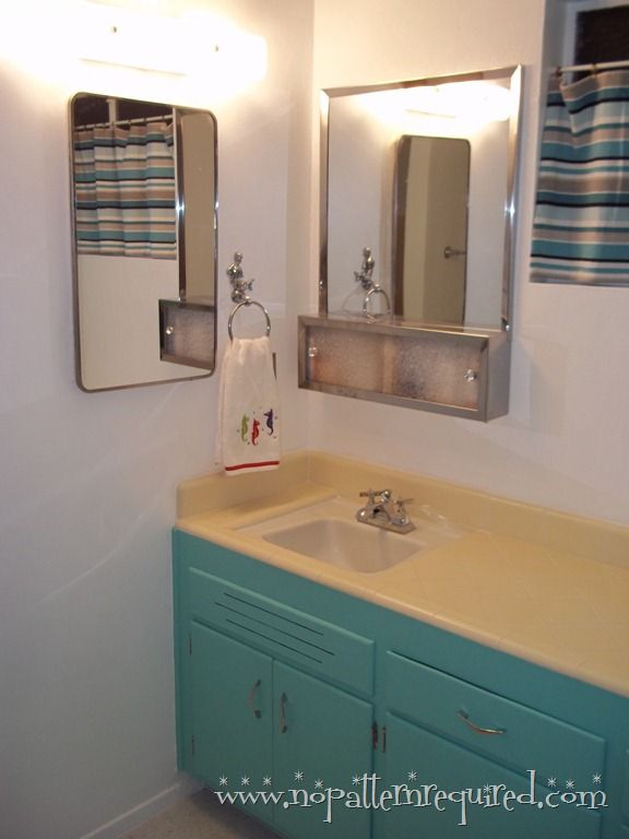 holiday turquoise retro bathroom reveal in moms time capsule condo