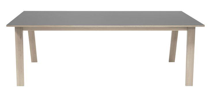 Revolve matbord från Falsterbo hos ConfidentLiving.se
