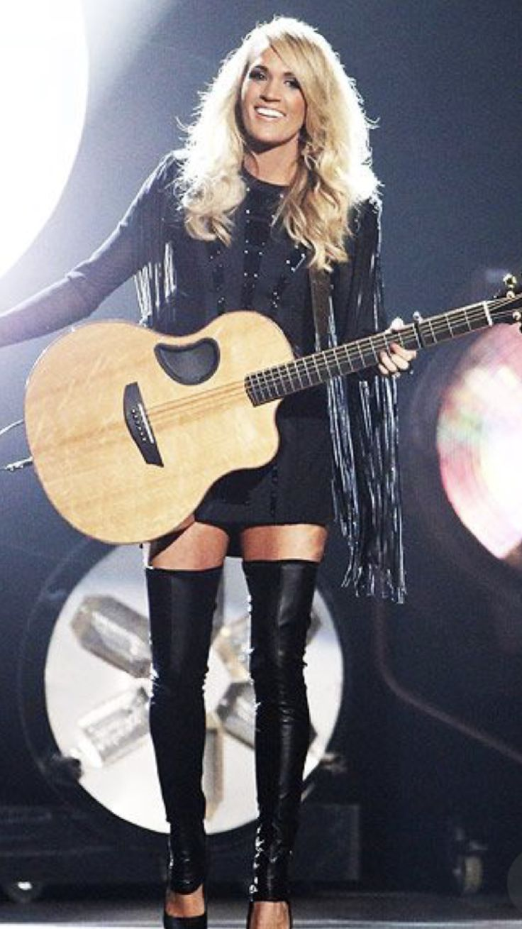 country-music-stars-performing-nude