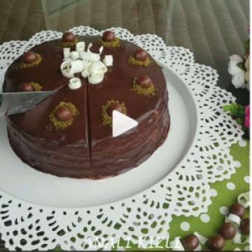 Çikolatalı Krep Pasta