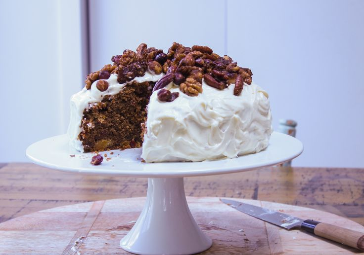 Chelsea's Un Christmas cake - http://chelseawinter.co.nz/christmas-cake/