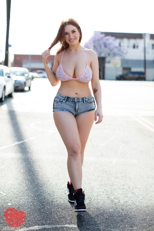 Aleksa Nicole pornstar