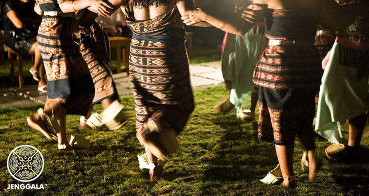 A joint event with Jenggala  in 2010- Dance, music and textiles from Savu